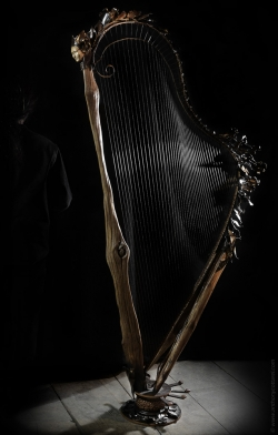 Sculpture de harpe de concert Interprétations d'instruments de Musique ©Thierry Chollat