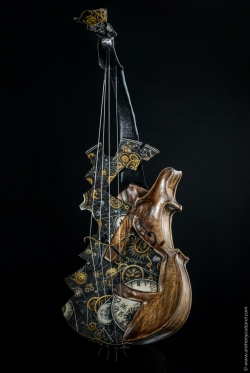 Mécanismes intemporels, Fer et bois noyer. Interprétations d'instruments de Musique ©Thierry Chollat - Violon