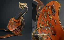 La Tantième tangente. Violon en fer et peinture sur carton. L47xh42,5xl43cm Interprétations d'instruments de Musique ©Thierry Chollat