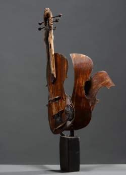 Violon fer et bois (aulne) Interprétations d'instruments de Musique ©Thierry Chollat