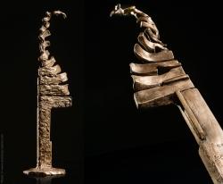 La Virevolte des ardentes Touches de piano. Bronze - L13,5xh48xl12,5cm - Limité à 12 exemplaires, numérotés de 1 à 8 et de I à IV. Renseignements: thierry.chollat@laposte.net - Fonderie d'art Adobati.